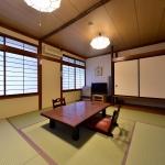 8 tatami Japanese-style room